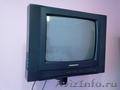 TV HORIZONT 14Е07 с кронштейном